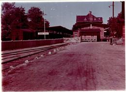 Photo Couleur Originale B.B. Quais Et Rails De La Gare De Seebad Ahlbeck Vers 1950/60 - Eisenbahnen