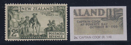 """New Zealand, SG 589a, MLH """"Captain Coqk"""" Variety, Perf 13x13.5 - Unused Stamps"""