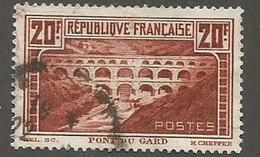 - France . Y&T N° 262 Oblitéré - Pont Du Gard - Usati