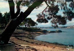 CPSM CONCARNEAU - LE CABELLOU - La Plage Sud Ouest - Timbre   L818 - Concarneau