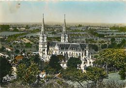 61 - La Chapelle Montligeon - La Basilique Notre-Dame - Vue Aérienne - CPM - Voir Scans Recto-Verso - Other Municipalities
