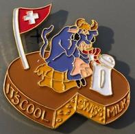 VACHE - KÜH - COW - IT'S COOL SWISS MILK - SYMPA LE LAIT SUISSE - SCHWEIZ - SWTZERLAND - FROMAGE - KÄSE - CHEESE -  (27) - Animals