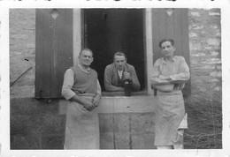 52 -  2 Cartes  Photo (8,5 X 6 Cm)  ECOT LA COMBE Départ De La Guinguette  Au Chantier Forestier  RARE - Altri Comuni