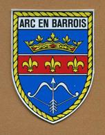 ARC-EN-BARROIS (52) : ECUSSON BLASON ADHESIF - Adesivi