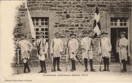 CPA AK Saint Brieuc Costumes Militaires FRANCE (1137139) - Saint-Brieuc