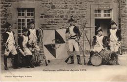 CPA AK Saint Brieuc Costumes Militaires FRANCE (1137202) - Saint-Brieuc