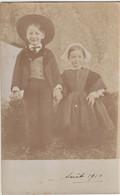 Carte Photo Portrait De 2 Enfants Cayron Marcel Et Germaine Déguisés En Bretons à St Pierre De Quiberon (56) 1910 - Persone Identificate