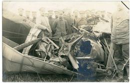 14-18.WWI - Carte Photo Allemande - Flugzeug Absturz Abschuss Soldaten Englischer Flieger - Guerre 1914-18