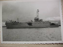 Photo De Claude POUZET Du Navire Aviso L 9032 En Indochine - Guerra, Militari