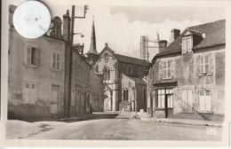 45 - Carte Postale Semi Moderne Dentelée De  SANDILLON   Le Bourg - Altri Comuni