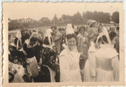 4 Petites Photos Originales De La Grande Troménie De Locronan  En 1953 - Luoghi
