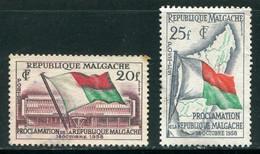MADAGASCAR- Y&T N°338 Et 339- Oblitérés - Madagaskar (1960-...)