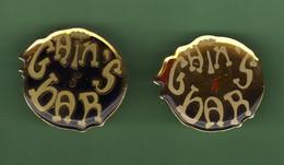 GAIN'S BAR *** Lot De 2 Pin's Differents *** 1077 (15-6)(12) - Personaggi Celebri