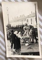 ITALIE - CARTE PHOTO - Cérémonie Soldat Couple Estrade Foule - Andere