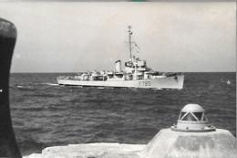 CPA-1950-MARINE De GUERRE-Escorteur N°720-SAKALAVE Entrant Au Port De ST Jean Luz-Désarmé En 1959-TBE - Guerra