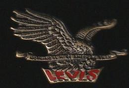 72247-Pin's.Jean's Levis. - Markennamen