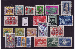 LOT ** / MNH N° 21 SERIES COMPLETES  COB 33 EURO à 1,40 Euro = 4,00 % - Unclassified