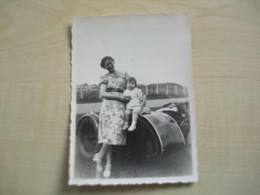 Photo Ancienne SIDE-CAR DAME ET ENFANT A IDENTIFIER - Coches