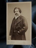 Photo CDV Carjat à Paris - Homme, Identifié Au Dos Pequigno, Personnalité, Second Empire Circa 1865 L557E - Oud (voor 1900)