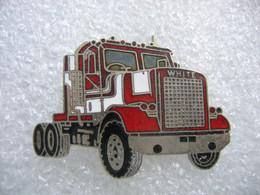 Pin's Camion Américain De La Marque WHITE - Transports