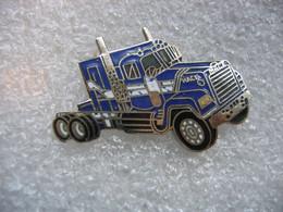 Pin's Camion Américain De La Marque MACK - Transports