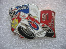 Pin's Du Grand Prix 91de Moto Sur Le Circuit Du CASTELET. Moto Suzuki - Motos