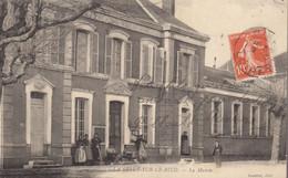 45 :  La Selle Sur Le Bied  : Devant La Mairie   ///  Ref.  AOUT  21  /// N° 16.700 - Altri Comuni
