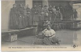 CPA PARIS VENISE Inondations De 1910  Intérieur D'une Cour Au 10 Rue De Charonne - Alluvioni Del 1910