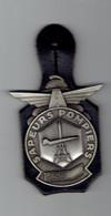 Insigne Sapeurs-Pompiers De L'aéroport De Paris - Fabricant AMC 93 - Bombero