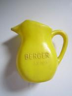 Vintage Ancien TRES PETIT Pot Broc Eau BERGER SIROP 8,5 Cm Plastique - Carafes