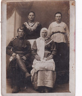 RUSSIA.#6132 PHOTO. FAMILY. NATIONAL RUSSIAN CLOTHES. BEADS. *** - Andere