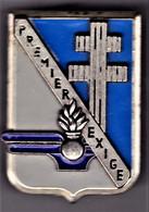 1° Régiment Du Matériel. T2. Delsart.3294. Attache Pin's. - Army