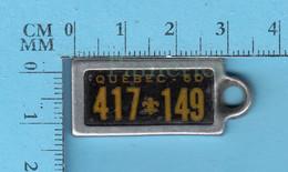 Quebec 1960 War Amputations Of Canada License Plate Key Tags - Targhe Di Immatricolazione