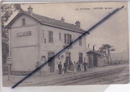 Anould (88) La Gare (avec Cheminots Sur Le Quai) Les Vosges (carte N°477) - Anould