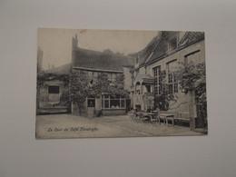 BRUGGE / BRUGES: La Cour Du Café Flessinghe, 2 Rue Des Blanchisseurs - Brugge