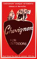"""SUPER PIN'S """"CHEVIGNON"""" MARQUE VETEMENTS : Visuel OURS, FOR OUTDOORS Signé DEMONS Et MERVEILLES  Email Grand Feu 2X3,2cm - Marques"""