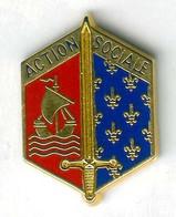 Pin's Armée Militaria Militaire Action Sociale Paris Ile De France épée Glaive - Militari