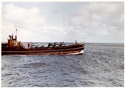 Photo Couleur Originale B.B. Péniche Transportant 6 Automobiles Sur Son Pont Vers 1950 - Schiffe