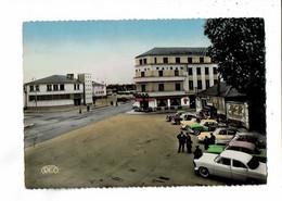 36 - CHATEAUROUX - Place De La Gare, DS, Citroen - 1033 - Chateauroux
