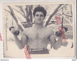 Au Plus Rapide Arménie Archive Famille Arménienne France Mon Cousin D'Arménie Homme Torse Nu Beau Format - Personas Identificadas