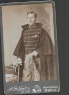 10 08/ H//    SOLDAAT IN GROOT ORNAAT - War, Military