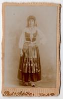 CDV Dame Costume * Photographia Achiles * Intendente Lisbonne Portugal * 10,5 X 6,5 Cm - Antiche (ante 1900)