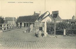 Adinkerke  (  De Panne )   :  Le Pont Et Entrée Du Village  ( Dessaix Edit . Marie Poupeye ) - De Panne