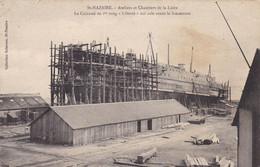 """44. SAINT NAZAIRE . CPA.  LE CUIRASSE DE 1er RANG """" LIBERTE """" SUR CALE AVANT LE LANCEMENT - Guerre"""