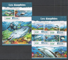 TG100 2015 TOGO TOGOLAISE WILD FAUNA MARINE LIFE DOLPHINS LES DAUPHINS KB+BL MNH - Delfini