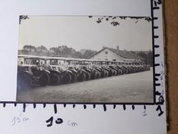 44/ Carte Postale/photo - Caserne Schneider - Juin 1926- Anciens Véhicules-départ De Mission - Andere