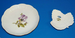 2 JOLIS VIDE POCHES En PORCELAINE ETRANGERE 1 Avec Une PENSEE 1 Avec Fleur Bleue Origine à Définir Collection Déco - Altri