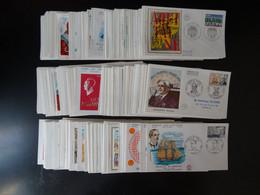 Ensemble De 220 Enveloppes Premier Jour Entre 1965 Et 1981 - Otros