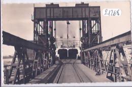 DUNKERQUE- LE FERRY-BOAT- PAQUEBOT EMPORTANT UN TRAIN COMPLET - Dunkerque