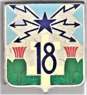 18° RT. 18° Régiment De Transmissions. Croix De Lorraine Blanche. D.638. Dos Lisse. - Army